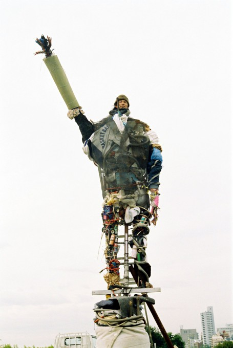 "「フセちゃん」/ ""Huse-chan"", 2003, garbage based sculpture"