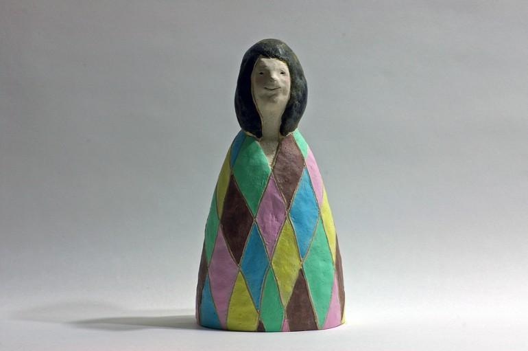 「楽しい人」/ '''a fun person'', 2011, ceramic based sculpture