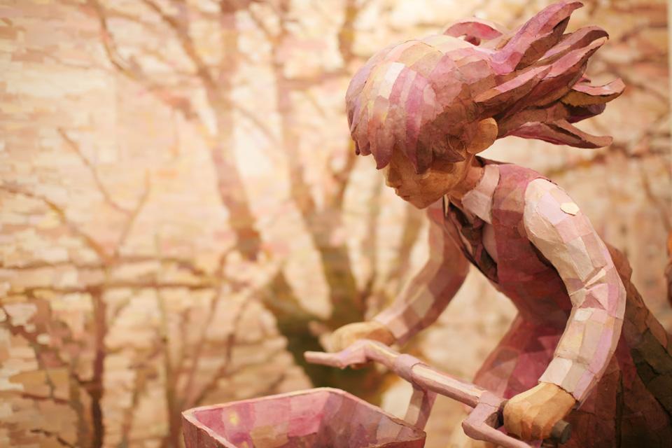 """「さよなら三角」部分/ """"SAYONARA SANKAKU""""detail, 2008, panting, polystyrene based sculpture"""