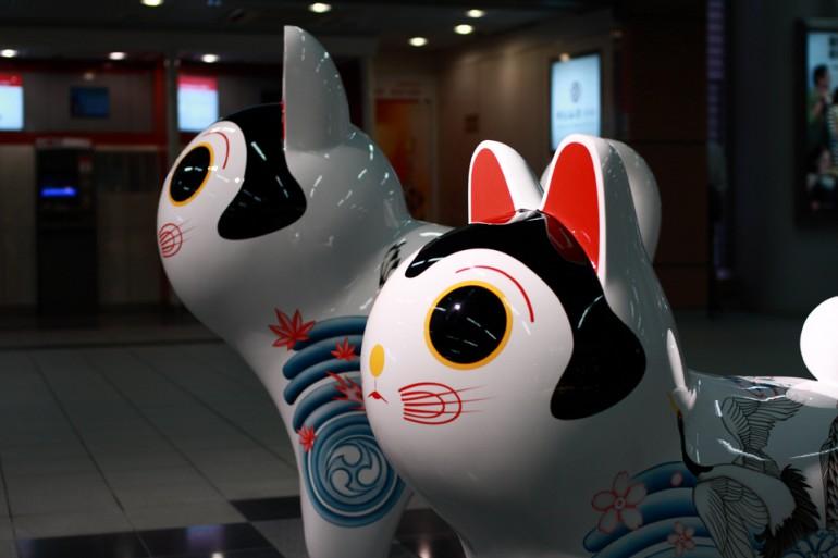 「犬張り子 [ 登鯉舞龍 ]」/ ''Inu Hariko [ Carp and Doragon ]'', 2011, Aluminium based sculpture
