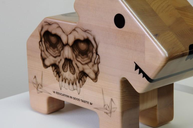 「情操教育シリーズ 角犬 [ 爆弾 ]」/ ''Education in good taste series Square dog [ Bombs ]'', 2010, Wood based sculpture