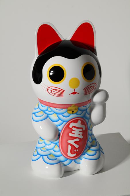 「宝猫」/ ''TAKARA NEKO-a treasure cat-'', 2010, FRP based sculpture