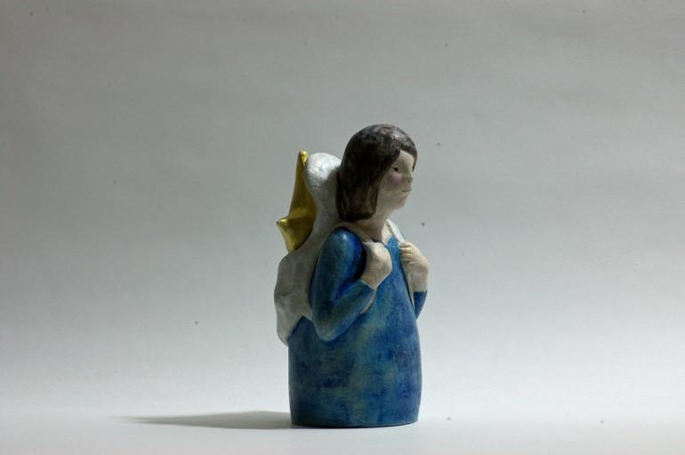 """「星の配達人」/ """"delivery of star"""", 2011, ceramic based sculpture"""
