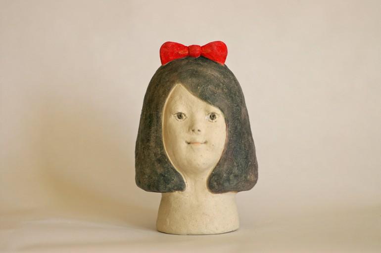 """「しあわせ?」/ """"happy?"""", 2012, ceramic based sclupture"""