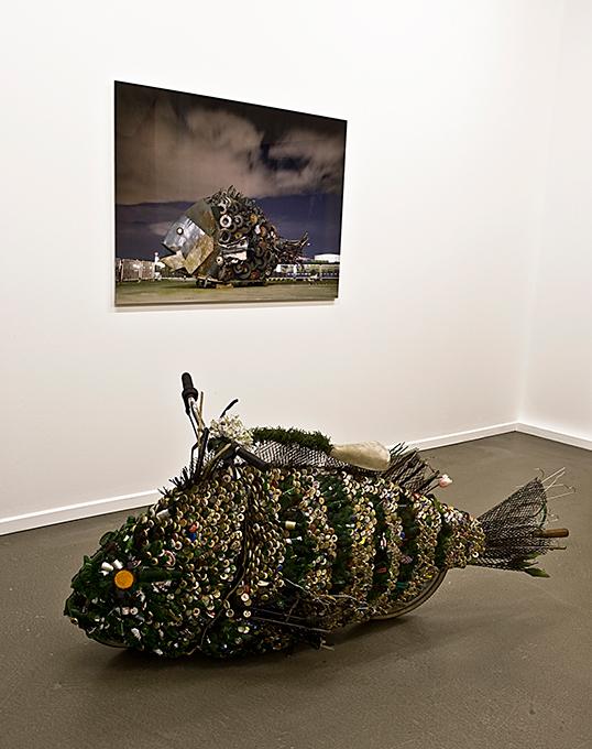 「ハンブルグのチヌ」/ ''Chinu, Hamburg'', 2009, installation view