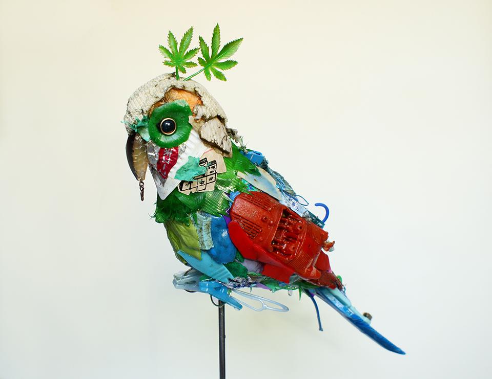 「インコ」/ ''True parrots'', garbage based sculpture