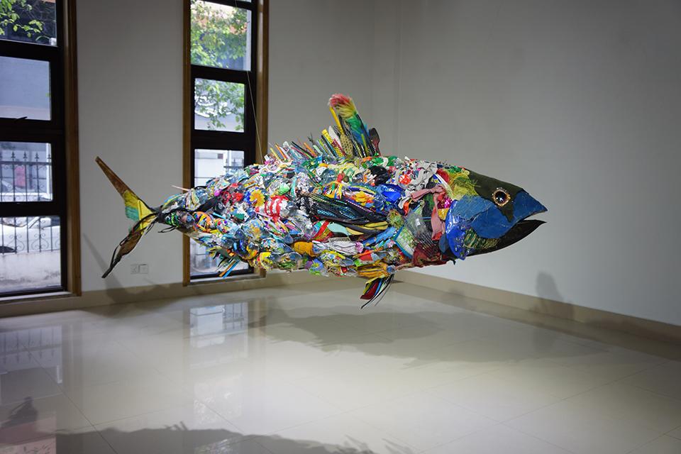 「サザレウオ」/''Sazareuo'', 2012, garbage based sculpture