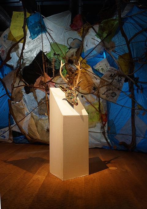 「宇治島の雄鹿」 展示風景/ ''Deer of Uji island'',2013, installation view