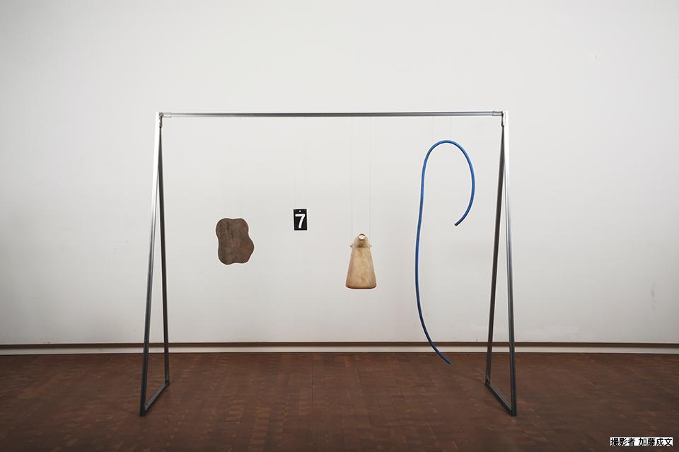 「just hanging No.2」/ ''just hanging No.2'', 2014, garbage based sculpture